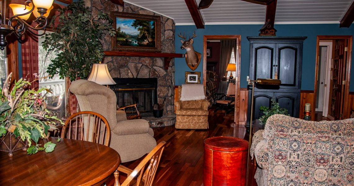 1121-Saddleback - Selling Real Estate Chip Durpo RE/MAX Agents Realty